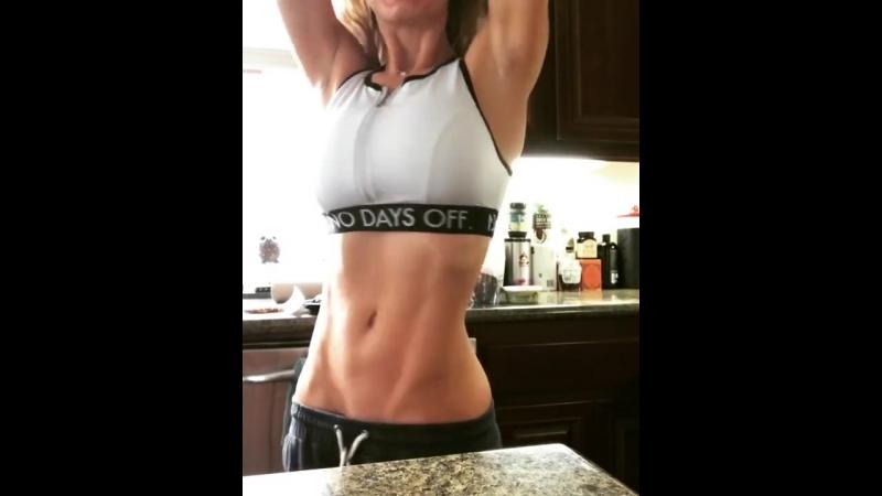 Nicole Aniston instagram, звезда порно модель