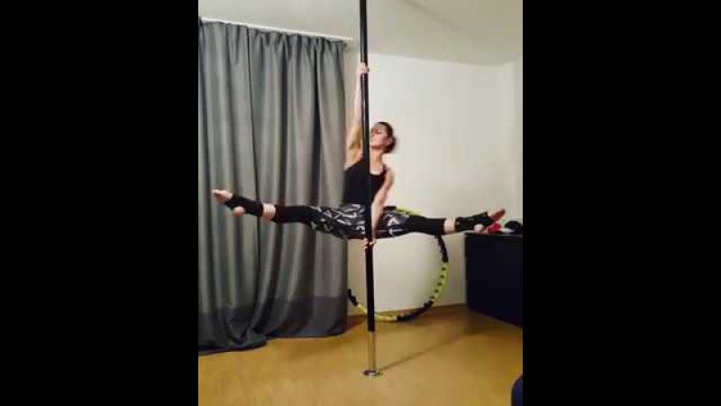 Pole Dance уроки. Крутка Бумеранг с распорным и локтевым хватами.