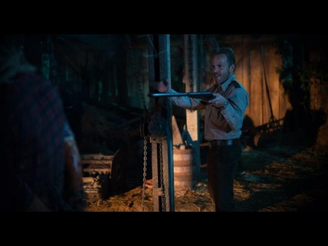 Видео к фильму «Техасская резня бензопилой: Кожаное лицо» (2017): Трейлер (дублиров...