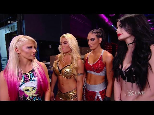 Paige Returns and Attacks Alexa Bliss with Mandy and Sonya - WWE Monday Night Raw 11/20/17 Full Show