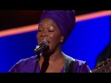 India.Arie Performing