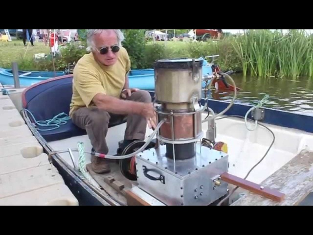 Malcolm Rowney's Stirling Engine boat