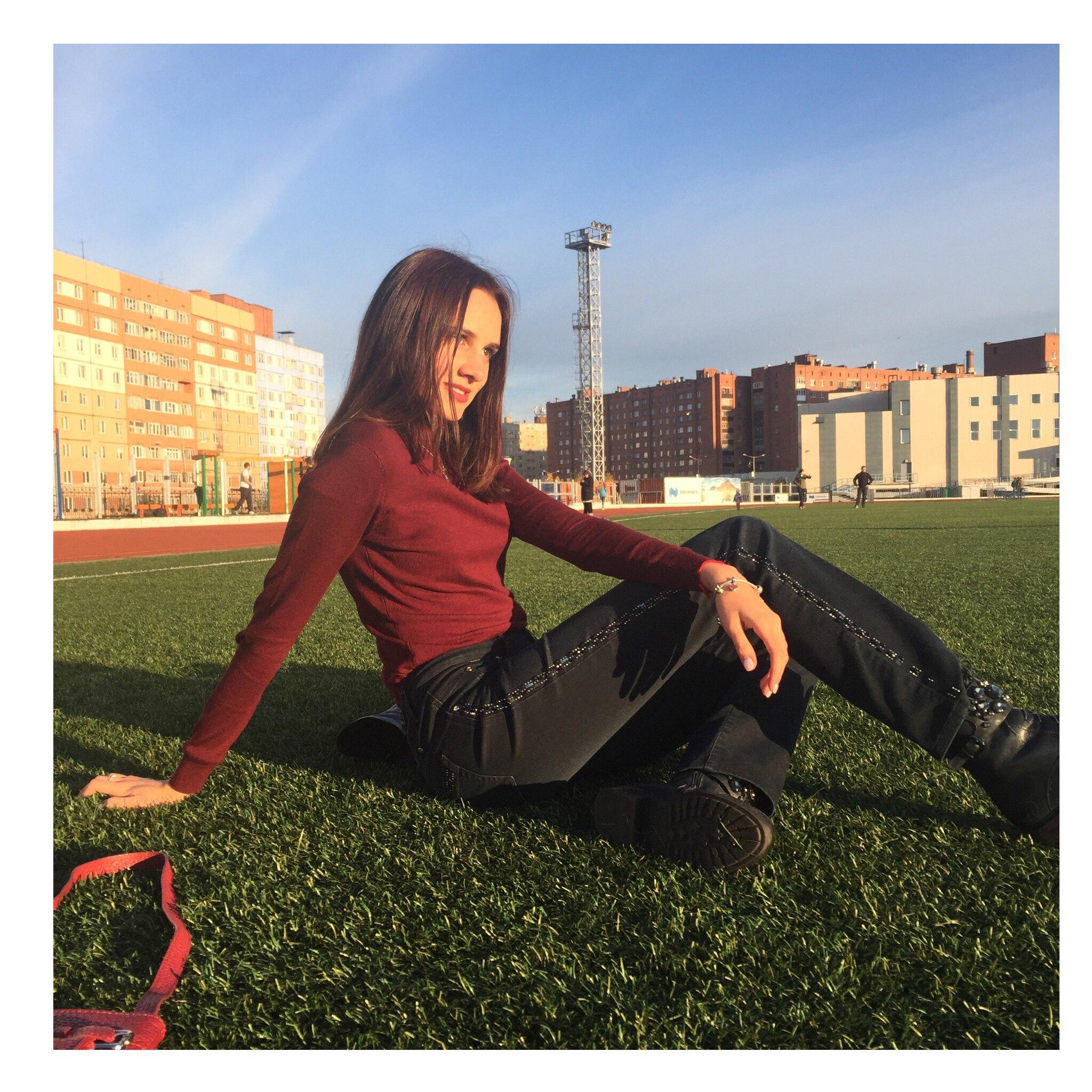 Polina, 18, Norilsk