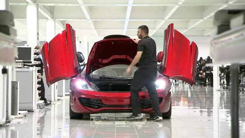 Так собирают суперкар McLaren.Assembling supercar McLaren