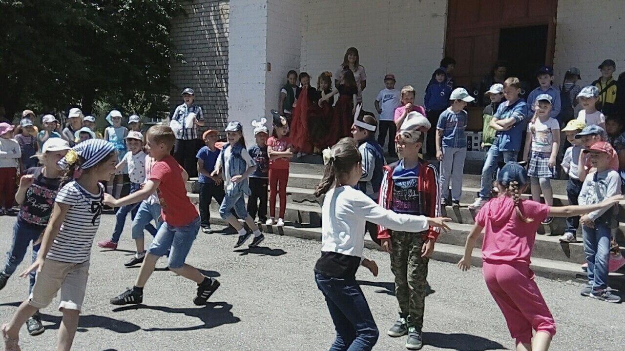 В Зеленчукской встретились «Солнышко» и «Радуга»