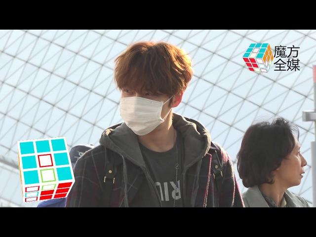 2017-11-04 金在中飛臺灣見粉絲 厚重大衣不掩帥氣Kim Jae Joong Departs For Taiwan Fan Meeting Through Incheon Airport