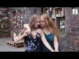 Две  женщины  красивые     лесбиянки  и  красивый женский лесбиянский   танец  .