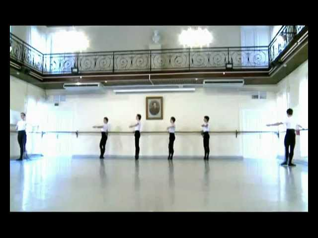 2012!year!Vaganova Academy, the training phase 1, the boys look great! Annual Exam 7-ballet class.