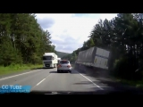 Semi Trucks Failure - Heavy Equipment Crash - Truck without brakes