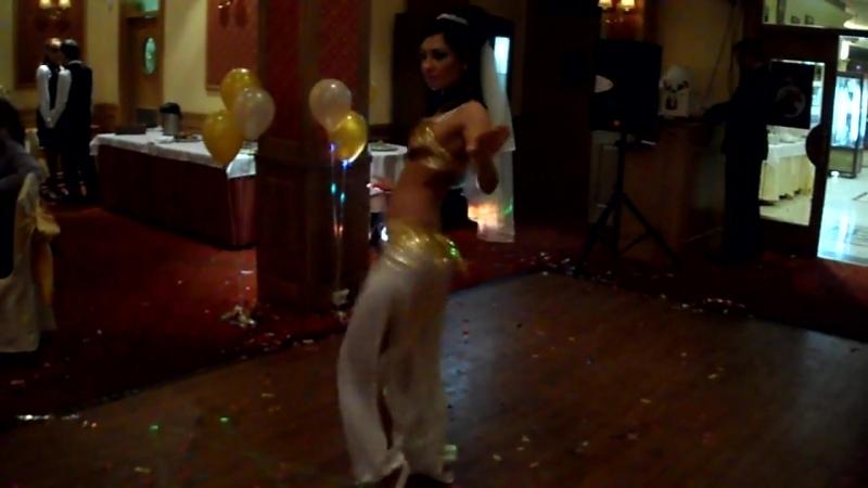 Невеста танцует танец живота. Belly dance°•★☆ GOLD OF BELLYDANCE☆★•° {OFFICIAL page}💖
