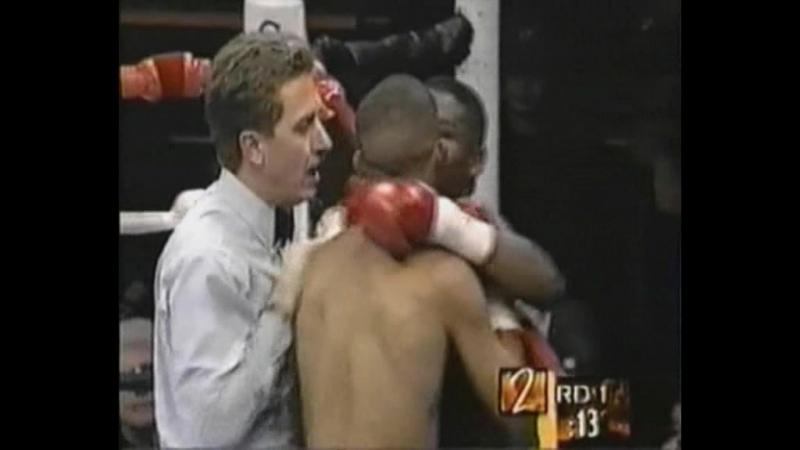 13 Floyd Mayweather vs Hector Arroyo 1998 01 09