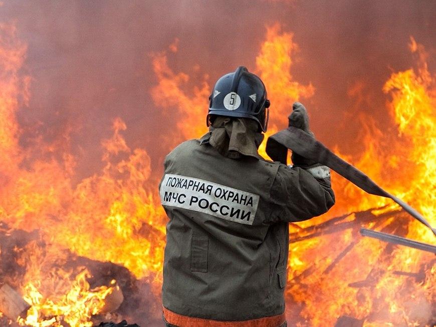 В Марухе пожар уничтожил летнюю кухню