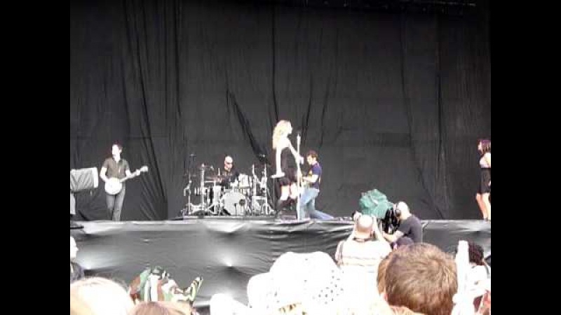 Taylor Swift - Tell Me Why (Live V Festival 2009 Chelmsford 22/08/09)