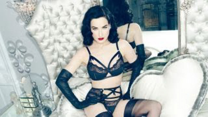Dita Von Teese's Lingerie Shopping Tips