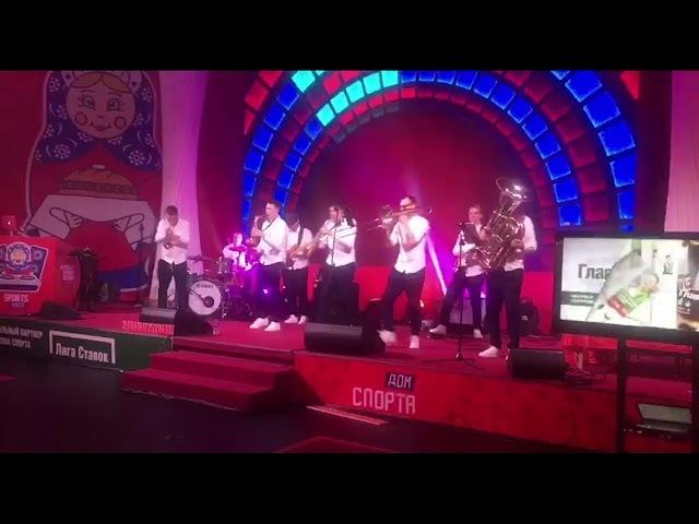 В Пхенчхане - петь! Как в Доме спорта развлекаются под