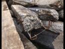 как загрязнают город. отходы после ремонта дорог сваливают в Волгу