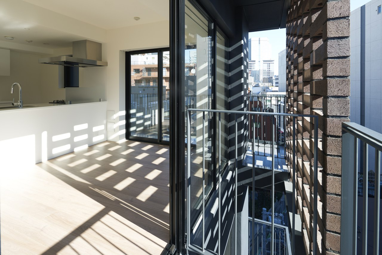 Akasaka Brick Residence / KINO architects