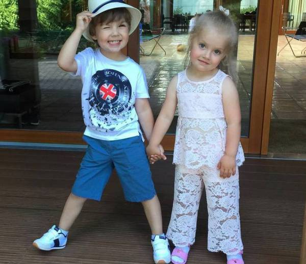 Максим Галкин воспитывает детей голосом Елены Малышевой