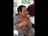 Боится прививки