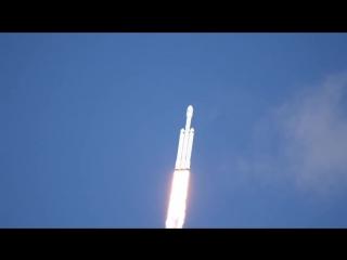 Запуск Falcon Heavy - Robin Seemangal 