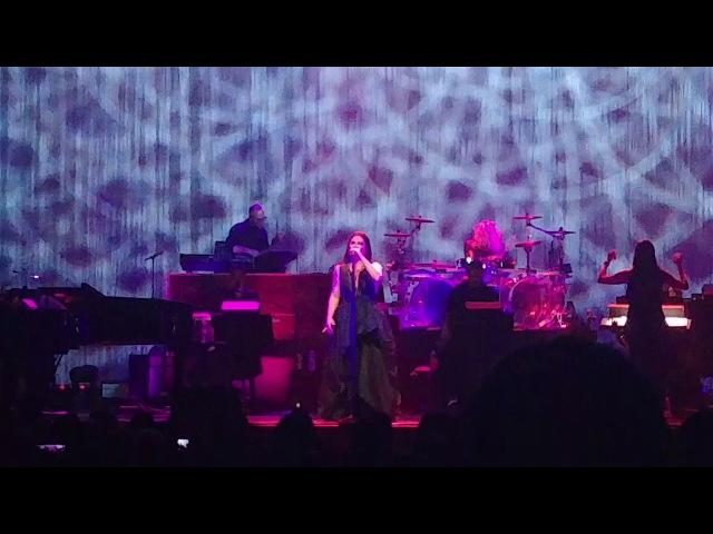 Evanescence - Bring Me To Life (Live at Arlene Schnitzer Concert Hall, Portland, OR, 12/19/17)