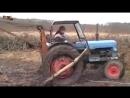 Трактор застрял в грязи Уникальная видео подборка с тракторами