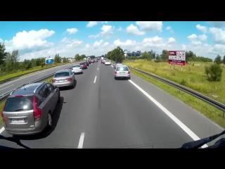 Как уступают дорогу в Польше