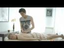 Пассивная казашка предлагает перед сексом услуги массажа белобрысому универсосальчику