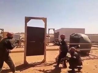 Российский наемник обучает суданских солдат