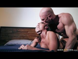 [pornstarslikeitbig.com / brazzers.com] abigail mac (horny and dangerous / 15.01.2018) [2018 г., big tits,big tits worship,blowj