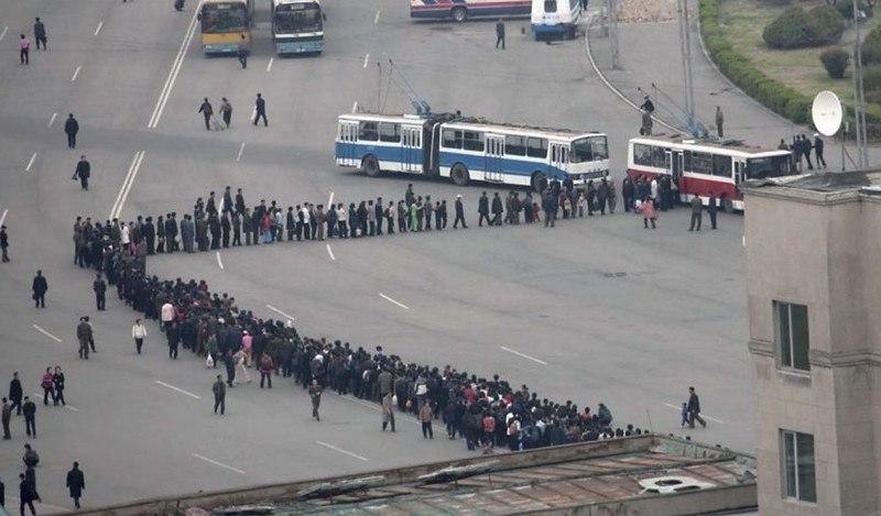 tff5IGguaQY - Что нельзя фотографировать в Северной Корее: 30 фото