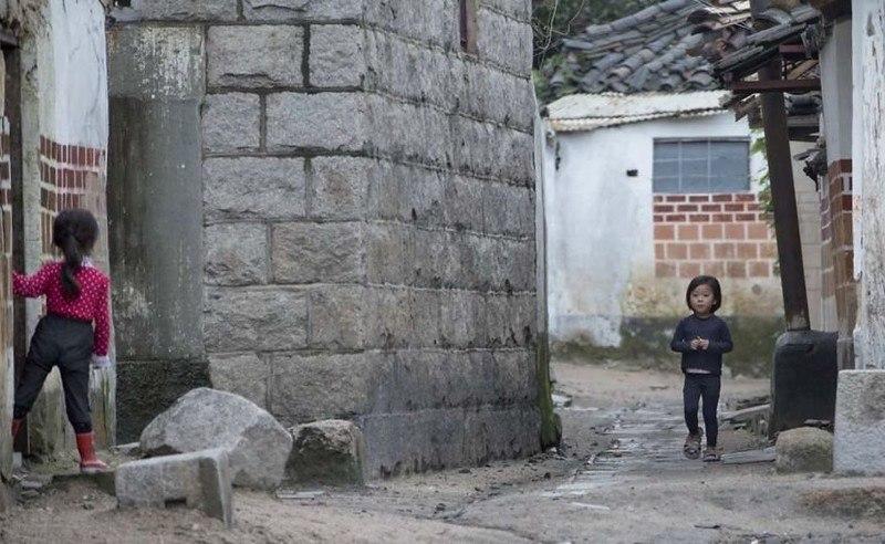 ZcIGUEVsxDA - Что нельзя фотографировать в Северной Корее: 30 фото