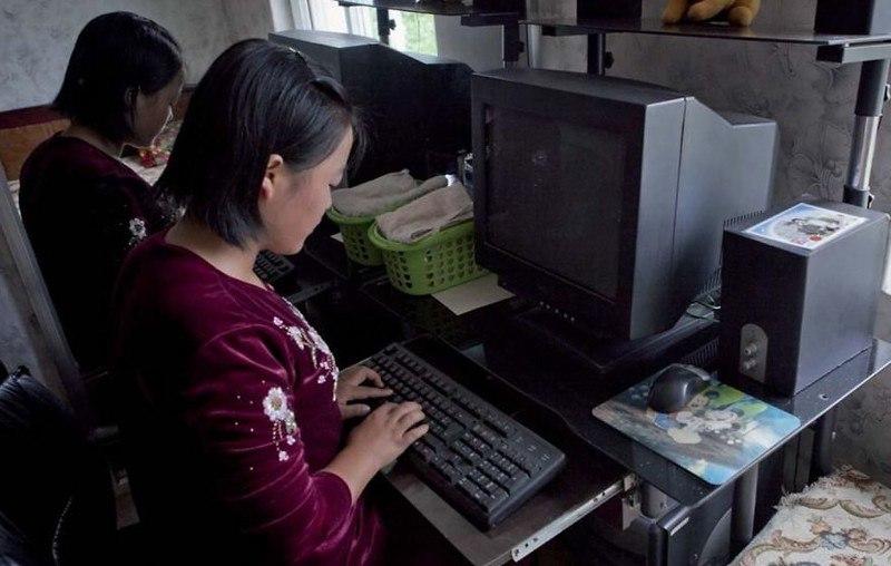 NQjbwTGym4s - Что нельзя фотографировать в Северной Корее: 30 фото
