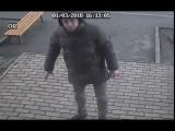 Искатели закладок в Харькове сорвали камеру видеонаблюдения.