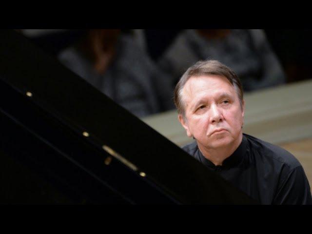 Mikhail Pletnev plays Saint-Saëns - Piano Concerto No. 2 (live in Montreux, 2017)