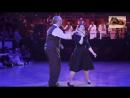 Шалунья осень!!! Красиво танцует не только молодёжь!