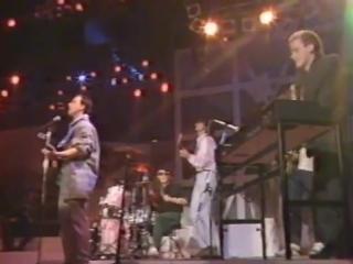 Eros Ramazzotti - Un Cuore Con le Ali - live 1985.mp4