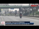 Motosiklet sürücüsünün trafikte tehlikeli şovu