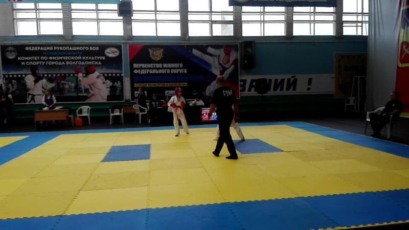 Миша Ключко (красный пояс) 2 бой 10-11 лет до 39 кг