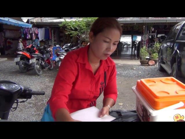 Блинчики с бананом и кокосом. Как их готовят в Таиланде.