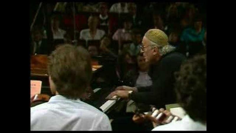 Mozart concerto 20 in d, K.466 - 3. Rondo ; Gulda