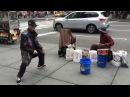 ЭПИЧЕСКИЙ ТАНЦОР И БАРАБАНЩИК ► Крутой Танец Под Бит Уличного Ударника