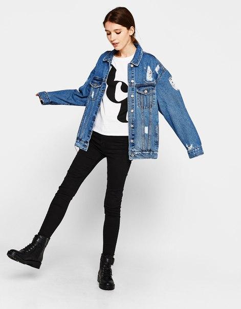 Джинсовая куртка в стиле oversize с цепочками