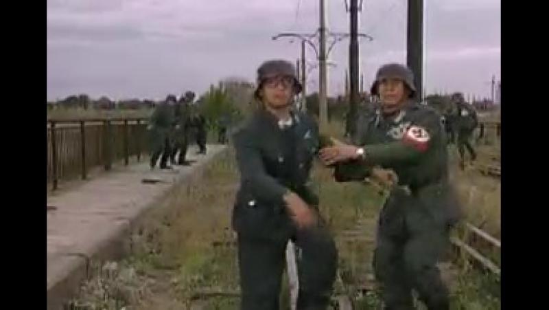 Красная Плесень , Маски-Шоу Zayac Video Гитлер Югент рок н ролл