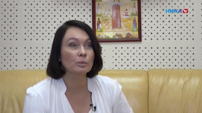 Марина Глушенкова - журналист, ведущая телерадиокомпании НИКА ТВ про новый год..