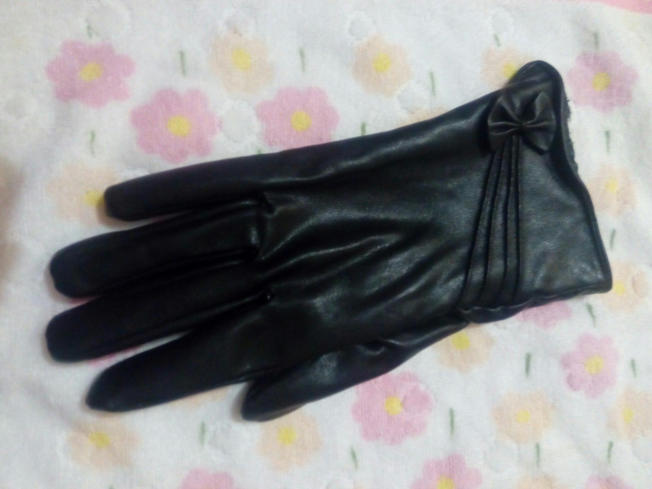 Кто потерял женскую перчатку