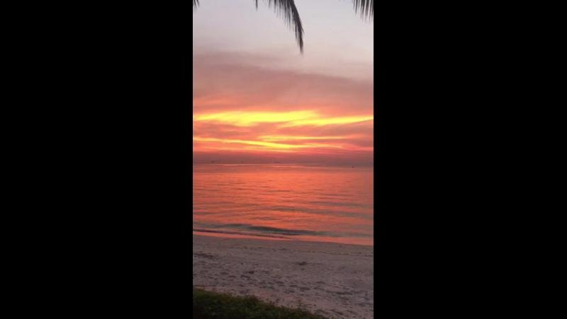 Таиланд.Остров Самуи. Пляж Липа Ной закат