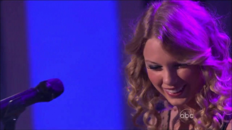 Taylor Swift - Jump Then Fall (Live on Dancing With Stars 2009)
