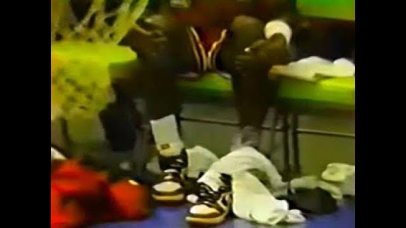 RARE FOOTAGE: News Report of Michael Jordan's (Age 22) Broken Foot (Oct. 30, 1985)