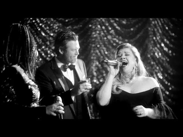 Kelly Clarkson The Voice Coaches Sing 60s Inspired Songs By Frank Sinatra Nina Simone